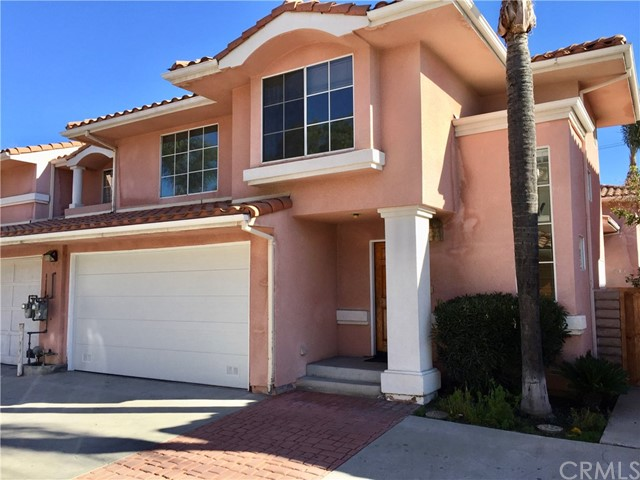 Townhouse for Rent at 21915 Wyandotte Street Canoga Park, California 91303 United States