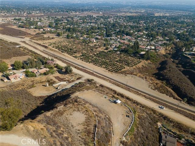 19 E 26th Street, Upland CA: http://media.crmls.org/medias/9f1fc100-1dd6-49db-ac82-b182621d8051.jpg