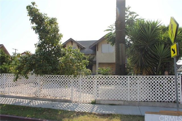 4828 S Gramercy Place Los Angeles, CA 90062 - MLS #: MB17163480