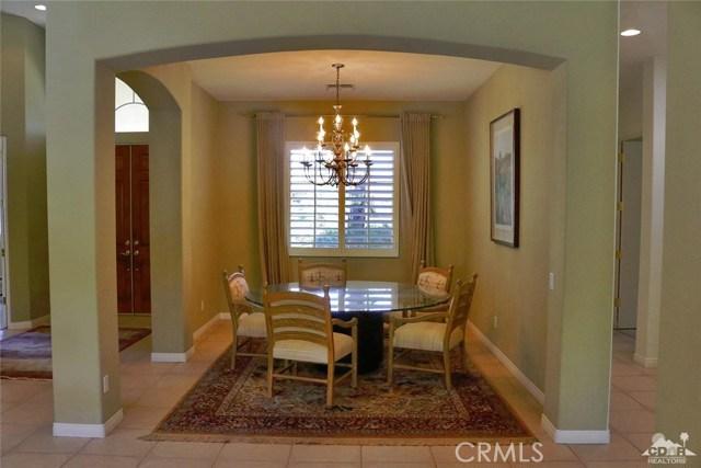 5 Varsity Circle, Rancho Mirage CA: http://media.crmls.org/medias/9f288d60-c58f-4549-b807-61770df9ded4.jpg