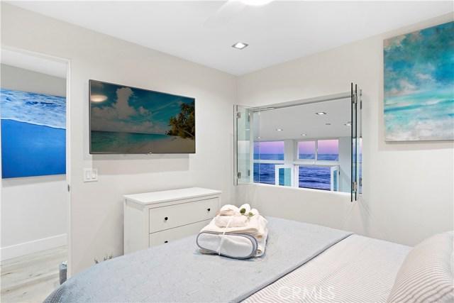 1241 Ocean Front, Laguna Beach CA: http://media.crmls.org/medias/9f31eae6-13b0-4777-8fed-f0b4ae232a1b.jpg