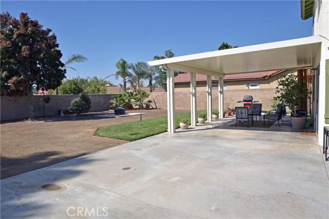 9379 Delfern Lane, Riverside CA: http://media.crmls.org/medias/9f35499f-c76e-468f-933b-d8fc615ca219.jpg