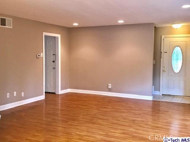 8254 Wentworth Street, Sunland CA: http://media.crmls.org/medias/9f379842-a9f0-44f9-a8f2-74a479a031ce.jpg