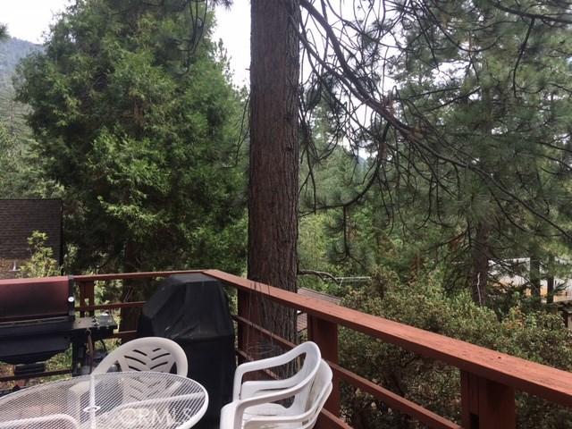 5861 Robin Oak Drive Angelus Oaks, CA 92305 - MLS #: IV17209326