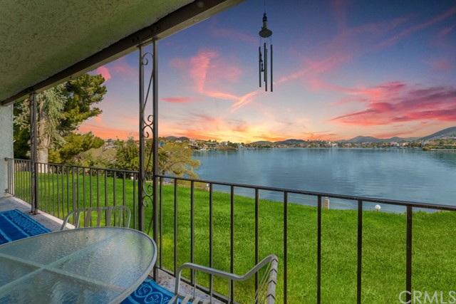22050 Treasure Island Drive Canyon Lake CA  92587