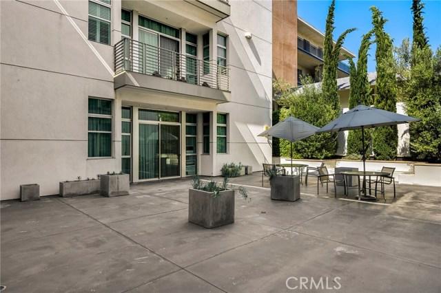 238 S Arroyo Pkwy, Pasadena CA: http://media.crmls.org/medias/9f601d79-6902-445d-987a-967f04e2e49d.jpg