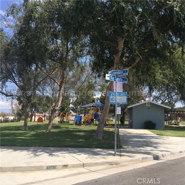 27940 John F Kennedy Drive, Moreno Valley CA: http://media.crmls.org/medias/9f60f940-306f-48c4-bda5-4717c4ebb3fd.jpg