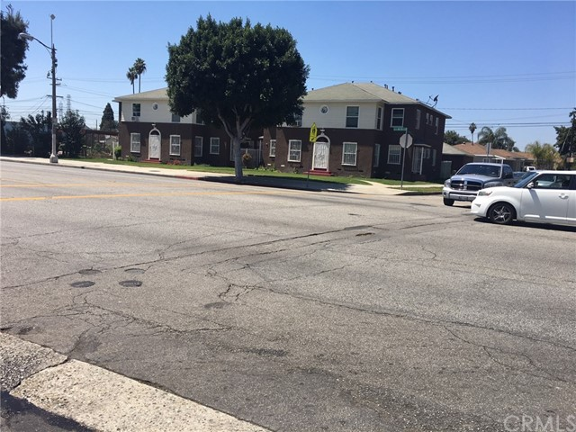 1220 S Long Beach Boulevard Compton, CA 90221 - MLS #: DW18099530