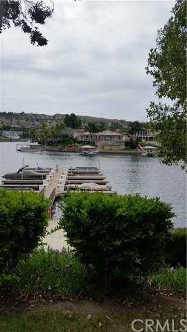 22274 Treasure Island Drive Unit 1 Canyon Lake, CA 92587 - MLS #: SW17093183