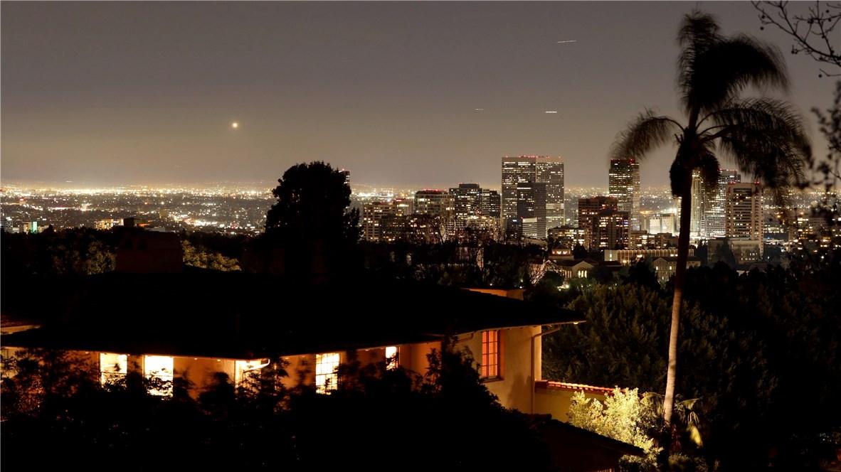 655 Funchal Rd, Los Angeles, CA 90077 Photo 33