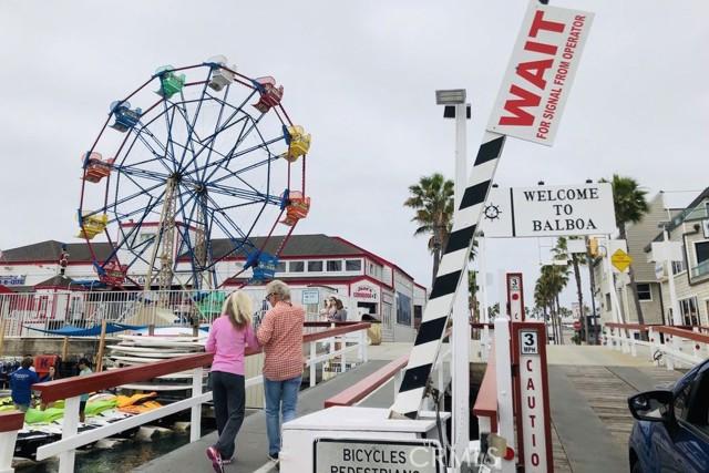 215 29th Street, Newport Beach CA: http://media.crmls.org/medias/9f81e06d-d9d7-4c19-87c3-675199d78f42.jpg