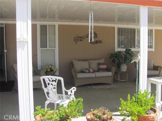 38934 Desert Greens Drive, Palm Desert CA: http://media.crmls.org/medias/9f8b16ab-1b4c-43dc-be43-4d79d1e09c15.jpg