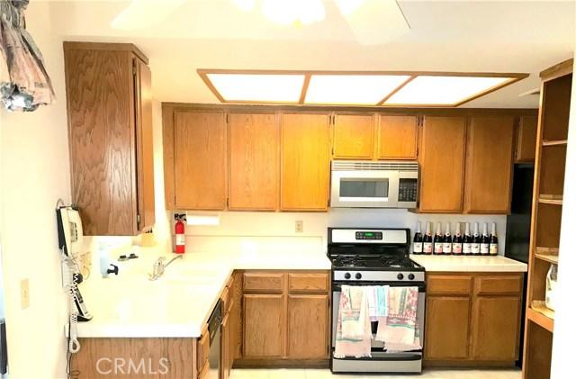 37411 Litchfield Street, Palmdale CA: http://media.crmls.org/medias/9f908f32-87fd-4abb-affa-a54abe30f833.jpg