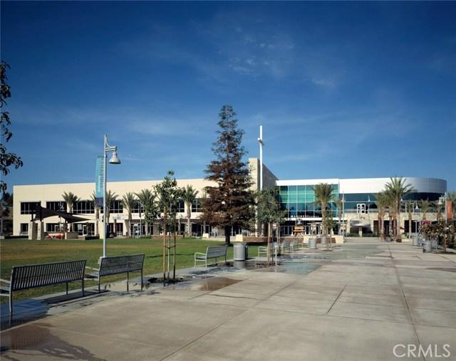 109 Roadrunner, Irvine CA: http://media.crmls.org/medias/9f96ea7b-703b-47a0-a665-f874c5d75805.jpg