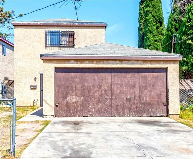 10322 Anzac Avenue, Los Angeles CA: http://media.crmls.org/medias/9fa5efb2-dc19-4b23-a8a1-83ceac23a450.jpg