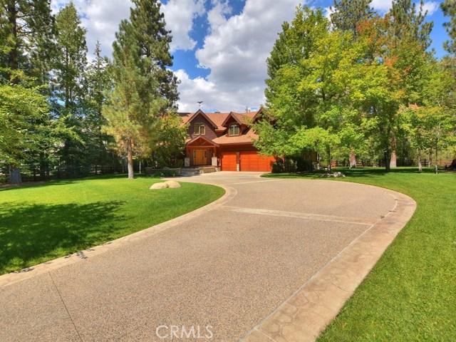 Casa Unifamiliar por un Venta en 41424 Stonebridge Road Big Bear, California 92315 Estados Unidos