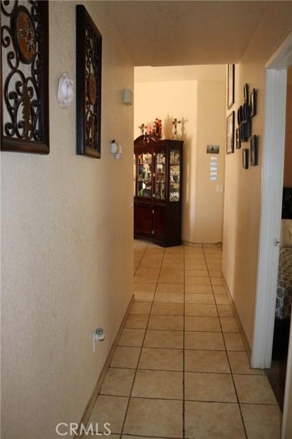 10695 Moorfield Street, Adelanto CA: http://media.crmls.org/medias/9fbd2c9d-5c17-40ef-8cb3-7f686ac61711.jpg