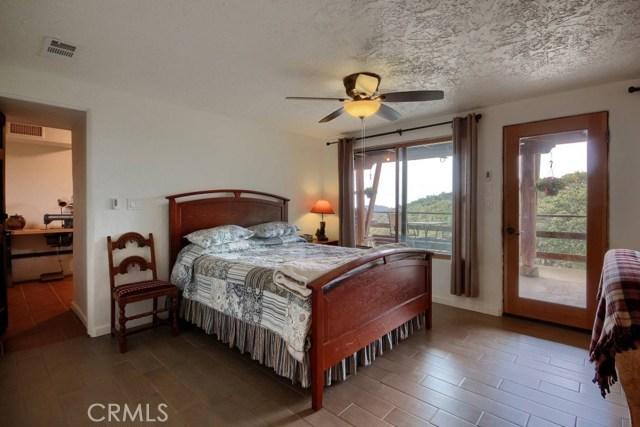 31434 Wyle Ranch Road, North Fork CA: http://media.crmls.org/medias/9fbf87cb-ed83-4f9f-a3ba-e95fd10a00c3.jpg