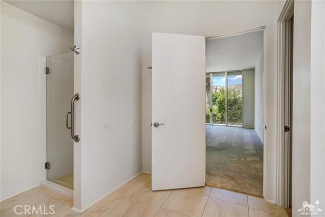 47043 Arcadia Lane, Palm Desert CA: http://media.crmls.org/medias/9fc1bba3-b1a0-4166-8136-1beb53ca109c.jpg