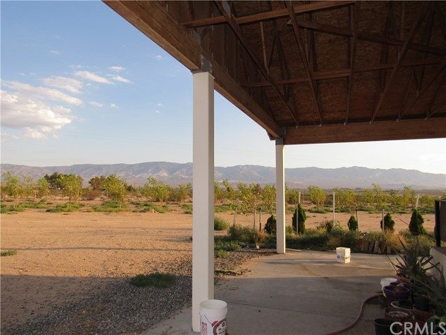 36990 Cambria Street, Lucerne Valley CA: http://media.crmls.org/medias/9fde5be0-d50f-4d52-8f19-41543cd4c9e0.jpg