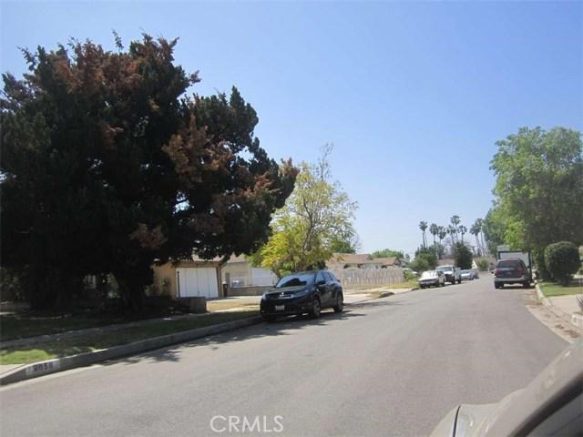 9654 Saloma Avenue, North Hills CA: http://media.crmls.org/medias/9ff40483-d85a-4877-9163-fdc9c5e3298c.jpg