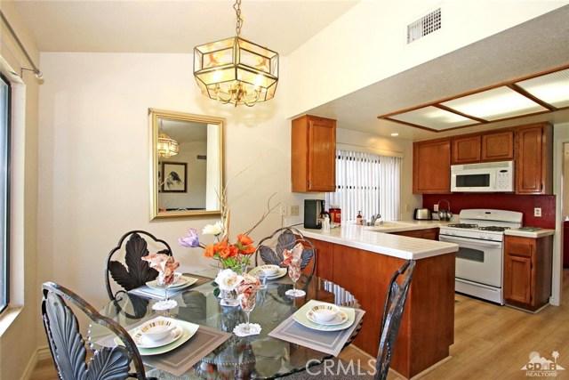 43750 Texas Avenue, Palm Desert CA: http://media.crmls.org/medias/9ff8ac7e-807a-428e-9977-39a742502498.jpg