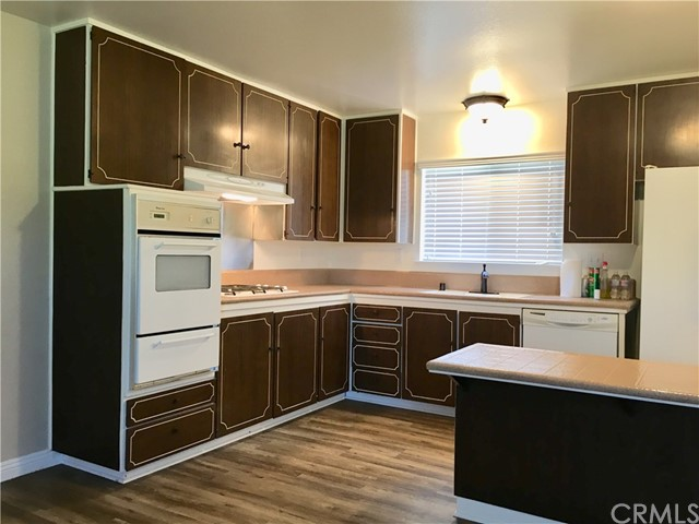 17241 Oak Street, Fountain Valley CA: http://media.crmls.org/medias/a00c915b-c805-4bbb-a407-c9f82767890f.jpg
