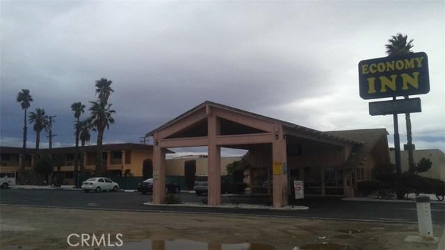 Casa Unifamiliar por un Venta en 1243 E Main Street Barstow, California 92311 Estados Unidos