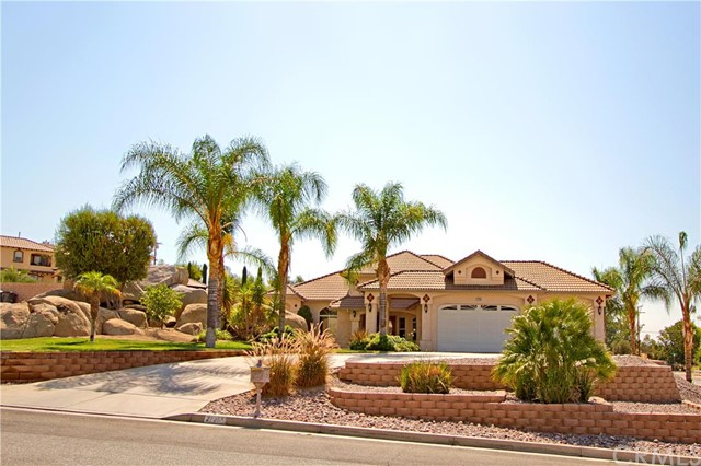 Property for sale at 27275 Stonehenge Circle, Hemet,  CA 92544
