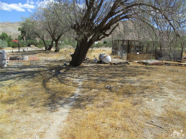 Additional photo for property listing at 16820  Bennett Road 16820  Bennett Road Sky Valley, California 92241 United States