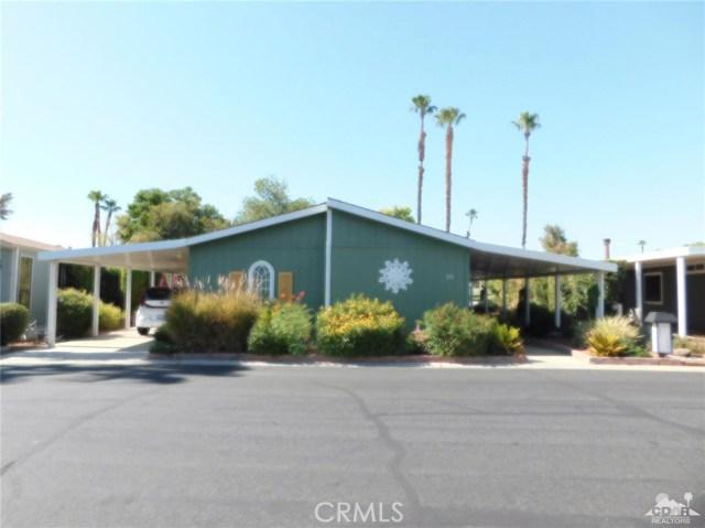 73450 Country Club Drive, Palm Desert CA: http://media.crmls.org/medias/a0322392-9c65-4622-ace3-f34d98e66769.jpg