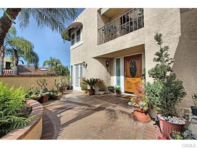 Single Family Home for Sale at 4 Calle Prima St Dana Point, California 92624 United States