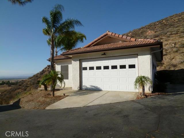 Additional photo for property listing at 31498 Cora Lee Lane  Hemet, California 92543 United States