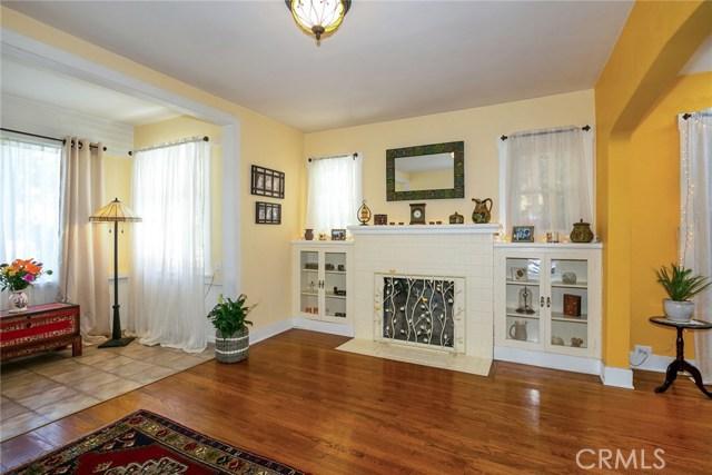 146 S Pennsylvania Avenue, Glendora CA: http://media.crmls.org/medias/a0662ce0-9be2-4ecc-8b73-50a6a658a9bc.jpg