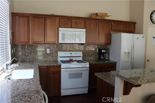 13673 Basswood Drive, Corona CA: http://media.crmls.org/medias/a07dbe96-7320-431a-9cbd-b4d4675ef675.jpg