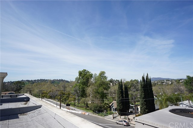 5509 VIA MARISOL Los Angeles, CA 90042 - MLS #: SB17242472