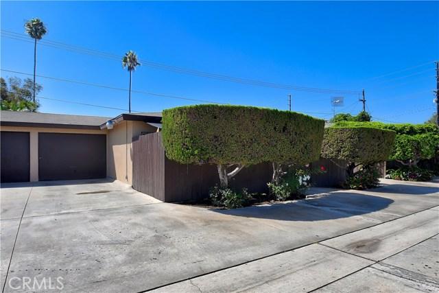 2077 Wallace Avenue, Costa Mesa CA: http://media.crmls.org/medias/a08fdd3b-511b-4389-a832-f2b05780b77c.jpg