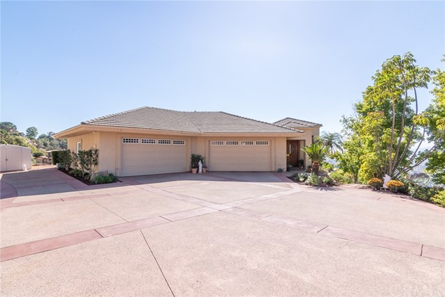 3335 Red Mountain Heights Drive, Fallbrook CA: http://media.crmls.org/medias/a0a15f78-bf7a-4a0f-af29-f91e549947e2.jpg