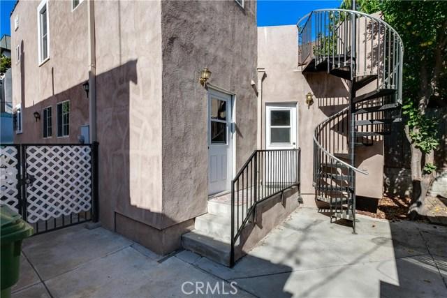 412 S Benton Way, Los Angeles CA: http://media.crmls.org/medias/a0aef0fb-be7e-49f3-8e27-1760199fb48d.jpg