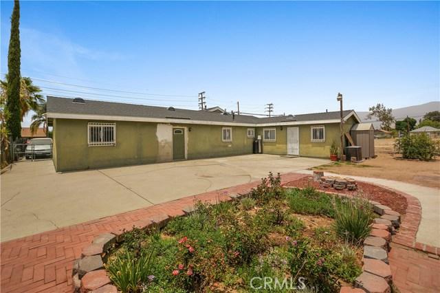 7639 Lankershim Avenue, Highland CA: http://media.crmls.org/medias/a0b0edd1-62b0-4b31-8e05-4cf6f910f709.jpg