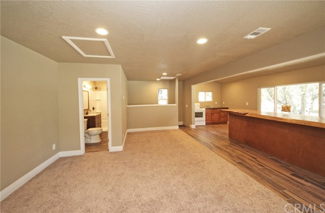 2037 Mojave Scenic Drive, Wrightwood CA: http://media.crmls.org/medias/a0b452fe-8db7-4fb8-b85d-ce32d35faf8a.jpg