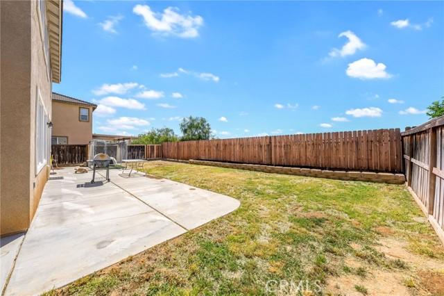 37275 High Ridge Drive, Beaumont CA: http://media.crmls.org/medias/a0b76158-3ffe-43df-b2ae-2043d8555975.jpg