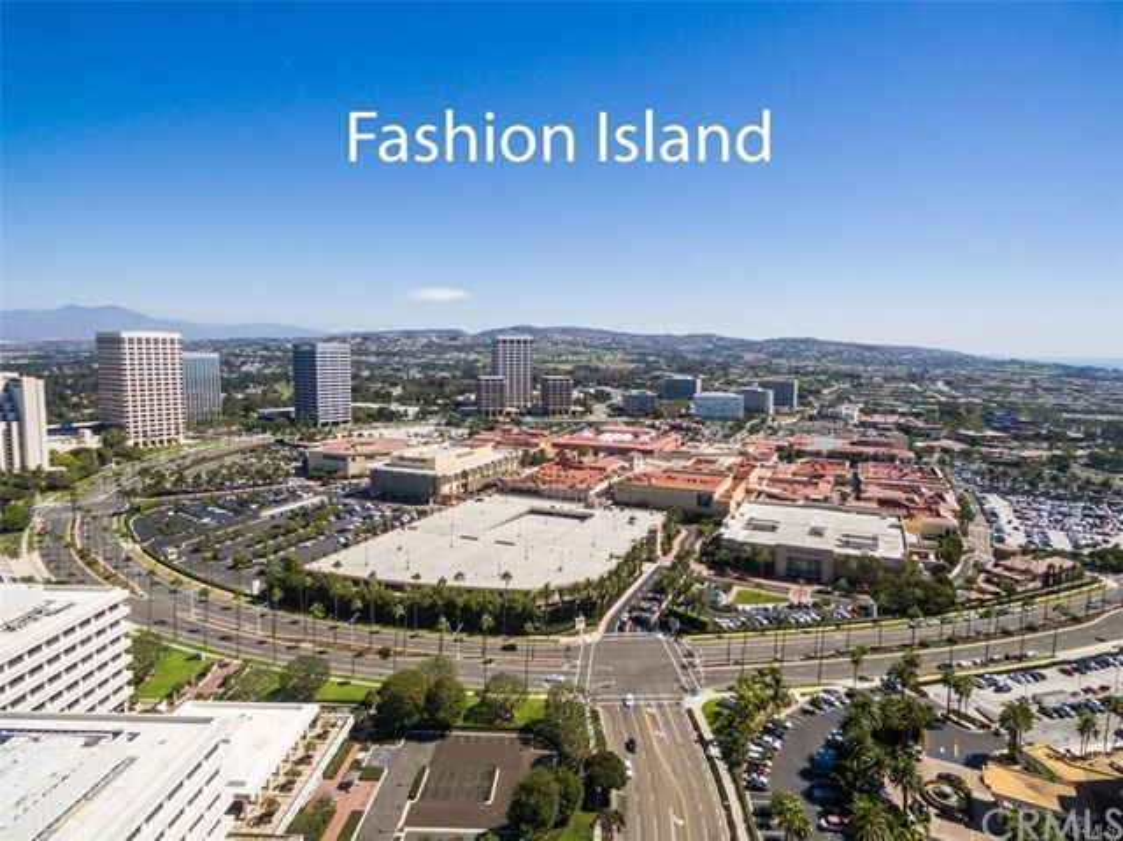 1319 Santa Barbara Drive, Newport Beach CA: http://media.crmls.org/medias/a0cb603e-79b5-479f-a01a-e2949dcc375b.jpg