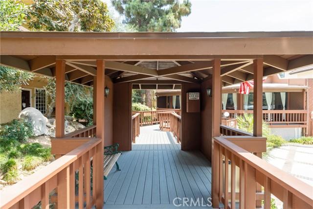 444 Piedmont Avenue, Glendale CA: http://media.crmls.org/medias/a0dc284f-645f-4dd1-8a06-6034bb00211d.jpg
