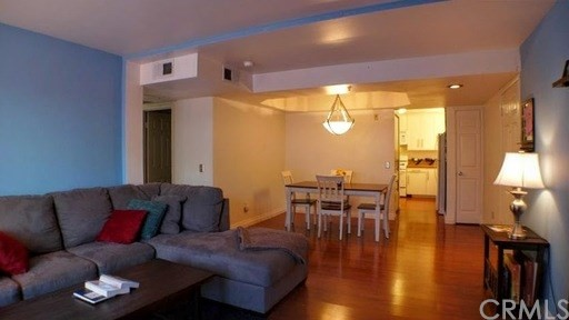 801 Pine Av, Long Beach, CA 90813 Photo 1