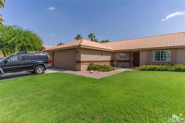 68426 Descanso Circle, Cathedral City CA: http://media.crmls.org/medias/a104e9d3-f3a8-41c6-b7b3-28ea987f9fdb.jpg