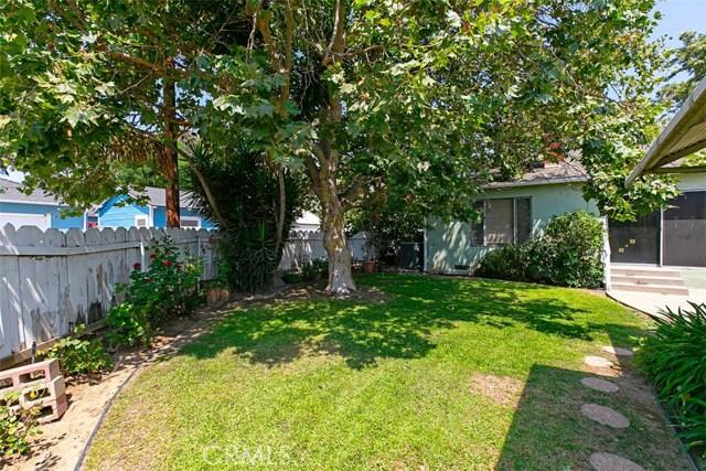 1424 E Armando Drive, Long Beach CA: http://media.crmls.org/medias/a1162b8e-1060-4f74-9481-96af4d7b4ee1.jpg