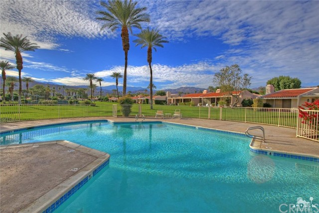 45878 Algonquin Circle, Indian Wells CA: http://media.crmls.org/medias/a12c2348-92e9-4c95-95df-1f5a6b688bc8.jpg