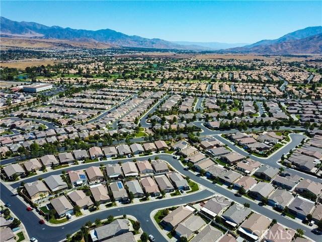 344 Mock Bluff, Beaumont CA: http://media.crmls.org/medias/a1301c80-d62c-4fd7-93ab-e88deb589a96.jpg