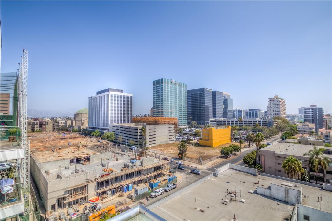 702 S SERRANO Avenue, Los Angeles CA: http://media.crmls.org/medias/a1324d22-fbb9-48a8-a4af-a38c9cb4056d.jpg